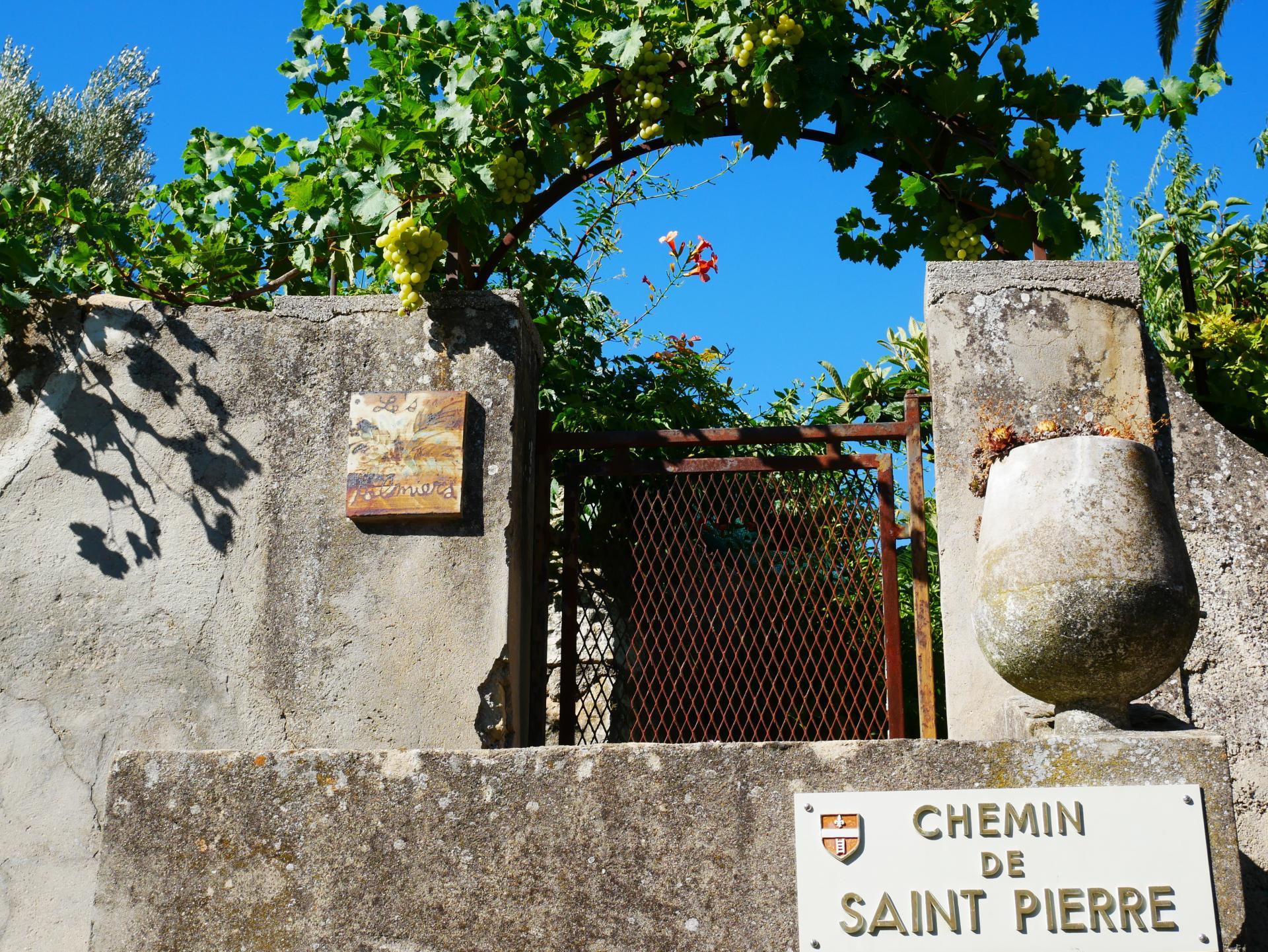 Callas village perche en provence verte proche gorge du verdon et saint raphael 18 2