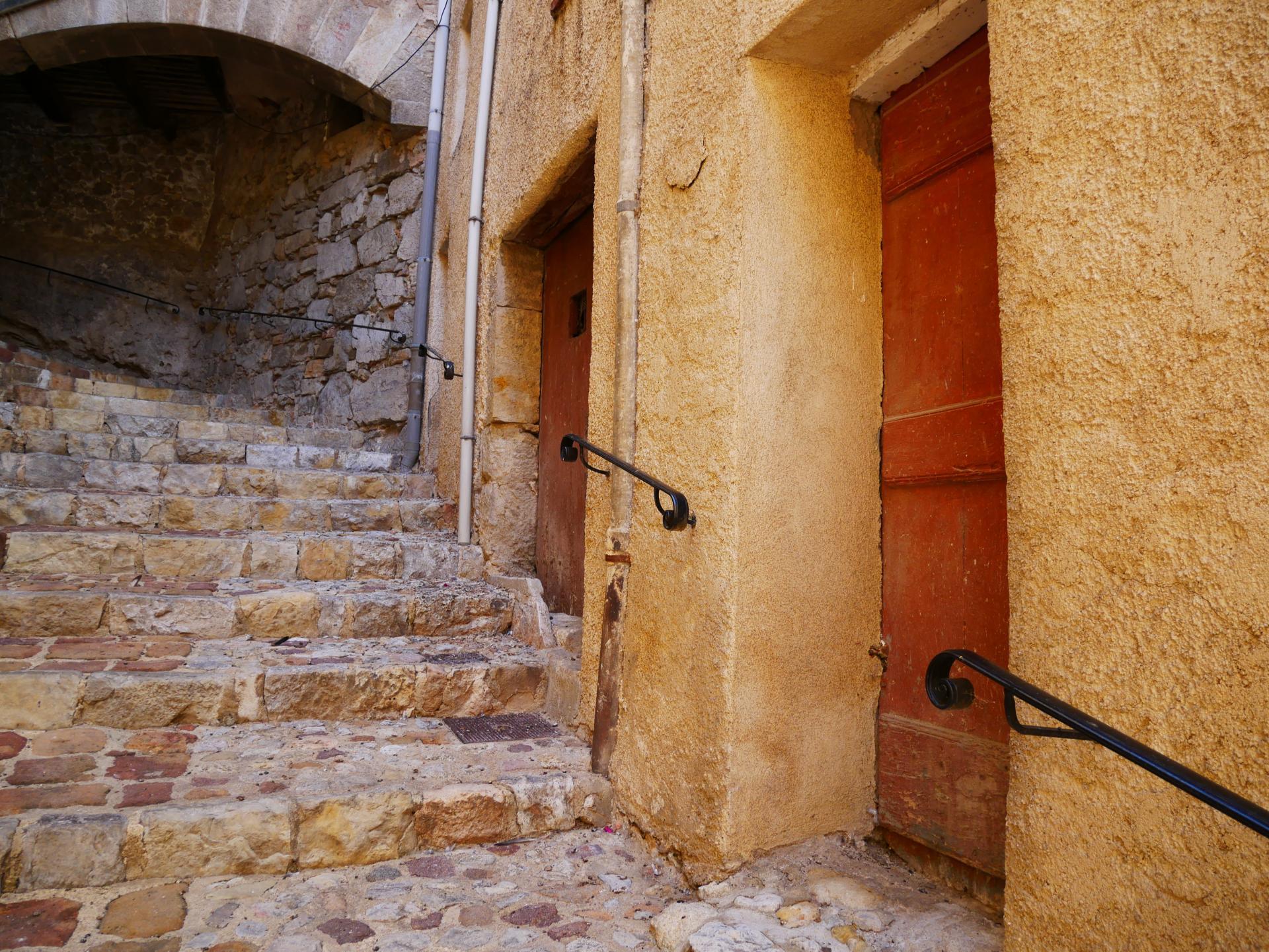 Callas village perche en provence verte proche gorge du verdon et saint raphael 7 2