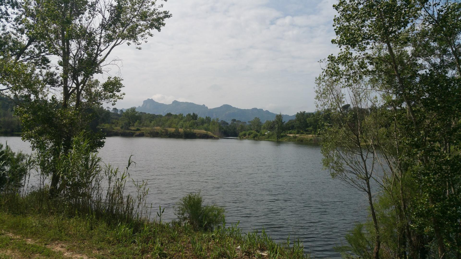 Lac de l endre et de la Rimade golf saint andreol gites du moulin de callas var 10 2 1