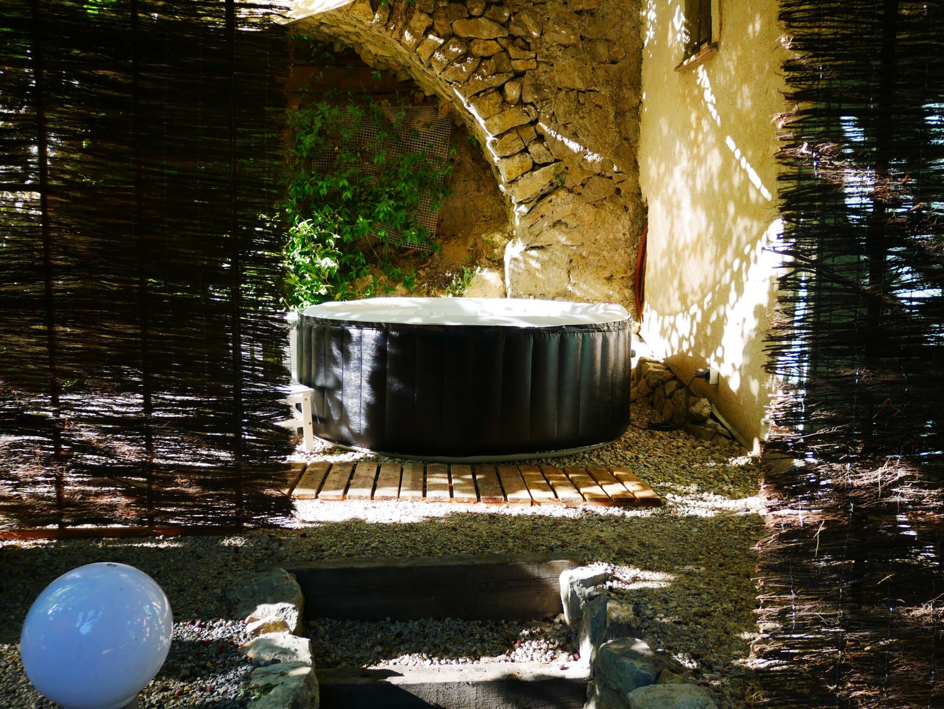 Le spa detente du gite le riou pres des gorges du verdon et st tropez 2